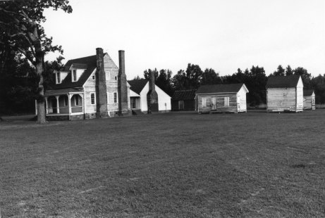 Ballard-Salsbury-Eubanks Farm in the Conoho Historic District, Martin County. Photo from the NCSU Library online collection.